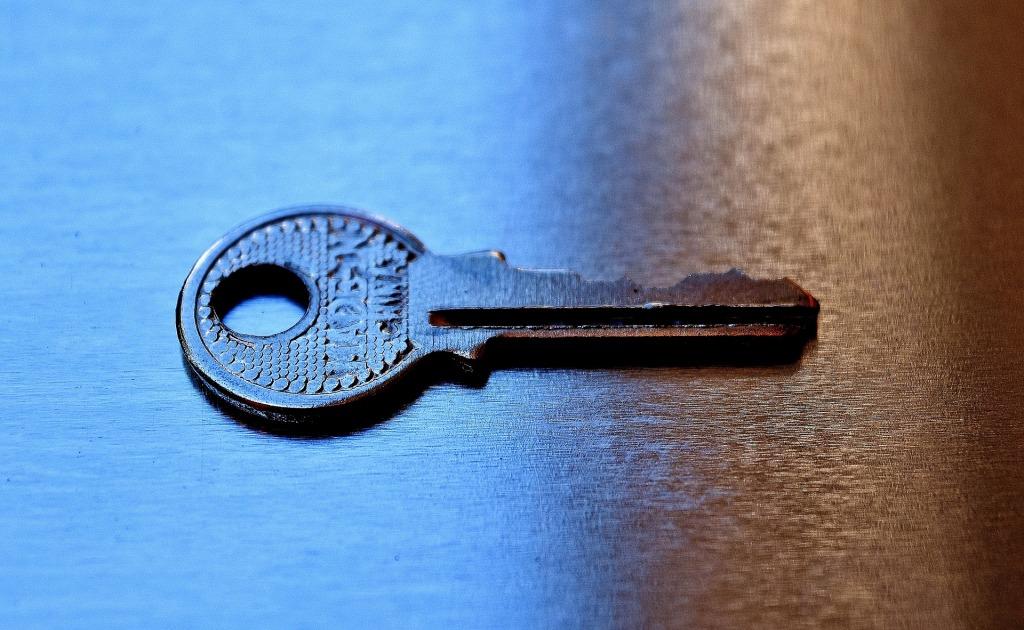 llave de sierra